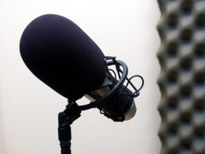 microphone-1562695
